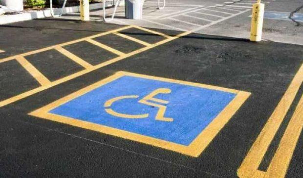 Parcheggio disabili 2021: cos'è e come ottenere contrassegno invalidi