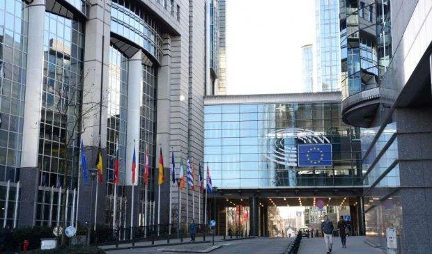 Recovery Fund, Parlamento Ue propone un anno in più e anticipi al 20%