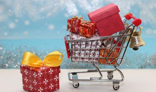 Reddito di cittadinanza Natale 2020: cosa posso comprare con la carta?
