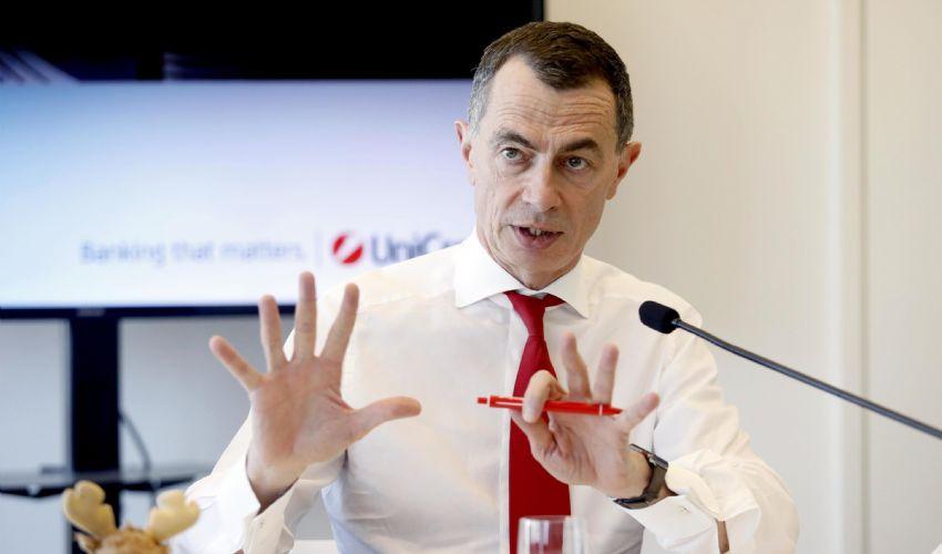 UniCredit, Mustier lascia l'incarico ad aprile 2021: crollo in borsa