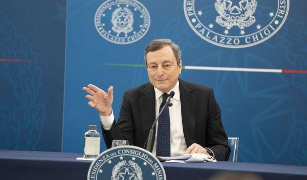 Draghi il pragmatico razionalizza l'Ue, Biden e Putin. E pure la Lega