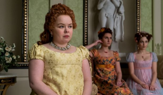 Bridgerton, sul set della serie Netflix con Penelope Featherington