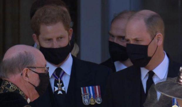 Harry e William, il labiale dopo i funerali: ecco cosa si sono detti