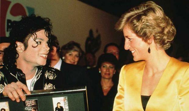 """Michael Jackson """"manipolato"""" come Diana, nuove accuse per Bashir e BBC"""