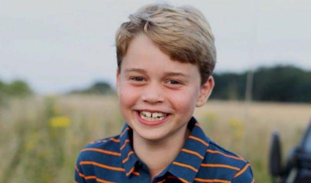 Il principino George oggi compie 8 anni, il nuovo scatto di mamma Kate