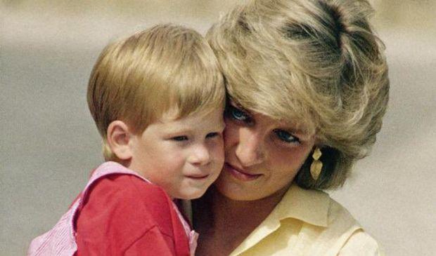 Sondaggio Daily Express: Harry non dovrebbe tornare nel Regno Unito
