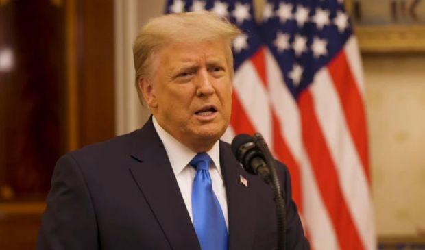 Trump: concessa la grazia a 73 persone. C'è anche Steve Bannon