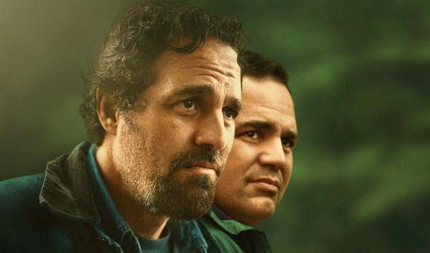 """""""Un volto, due destini"""", la nuova miniserie con Mark Ruffalo su Sky"""