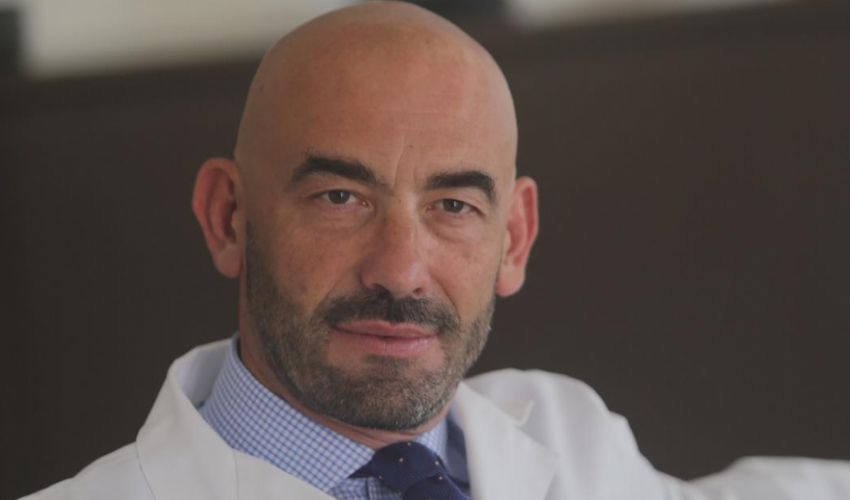 Matteo Bassetti: «Zona rossa a Natale: la rispetto, ma è un errore»