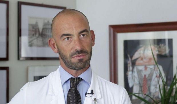 Covid, Bassetti: No a lockdown totali, aprire al vaccino russo