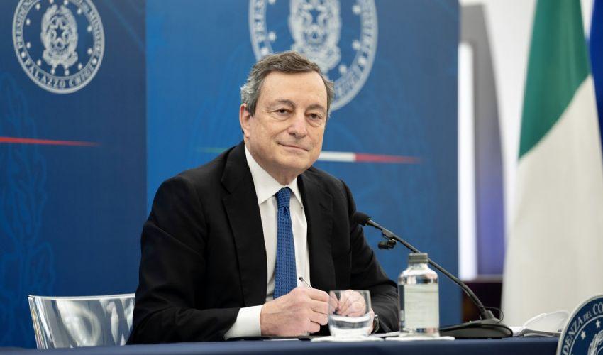 Draghi-Regioni: incontro sul decreto aprile. ANM: vaccini prima a noi