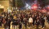 Coronavirus, scontri a Napoli nella prima notte di coprifuoco