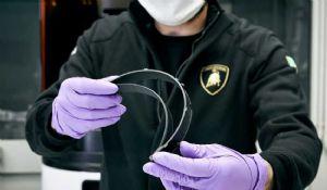 Coronavirus, Lamborghini avvia la produzione di mascherine e visiere