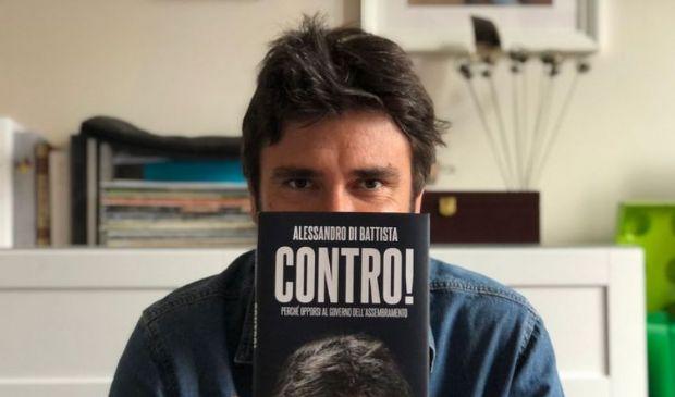 """Di Battista, nuovo libro: """"Col M5S un'indimenticabile storia d'amore"""""""