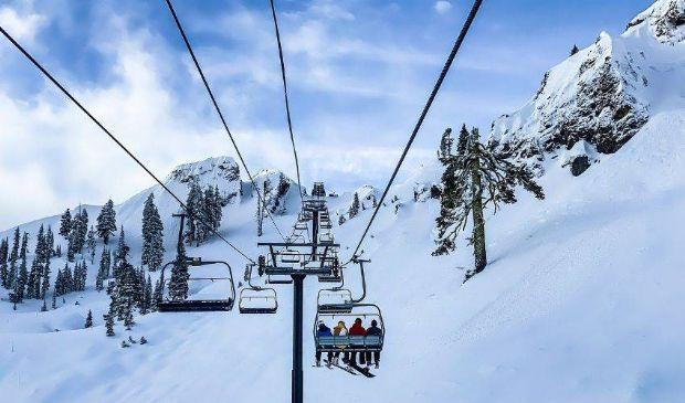 Covid, riaprono gli impianti da sci. Primo weekend in zona gialla