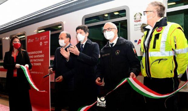 FS, per la ripartenza: treno sanitario e hub vaccinale di Roma Termini