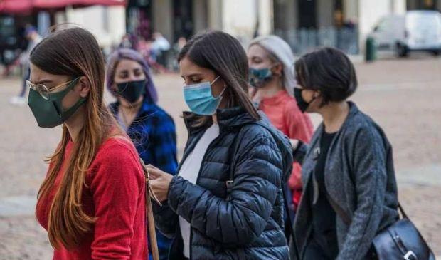 Obbligo di mascherina e divieto di assembramento: multe e controlli