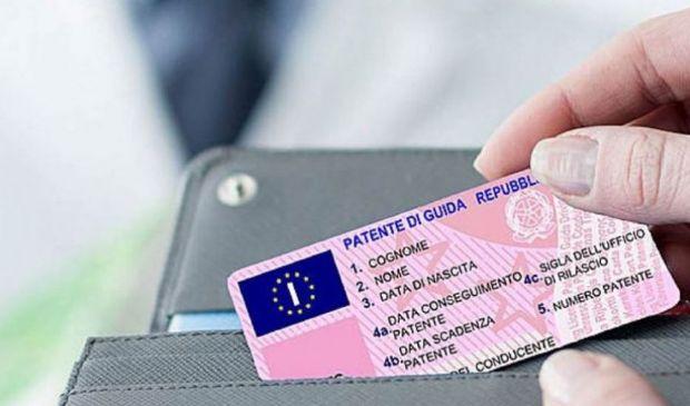 Nuova proroga scadenza Patente di guida 2021, causa Covid. Novità Mit