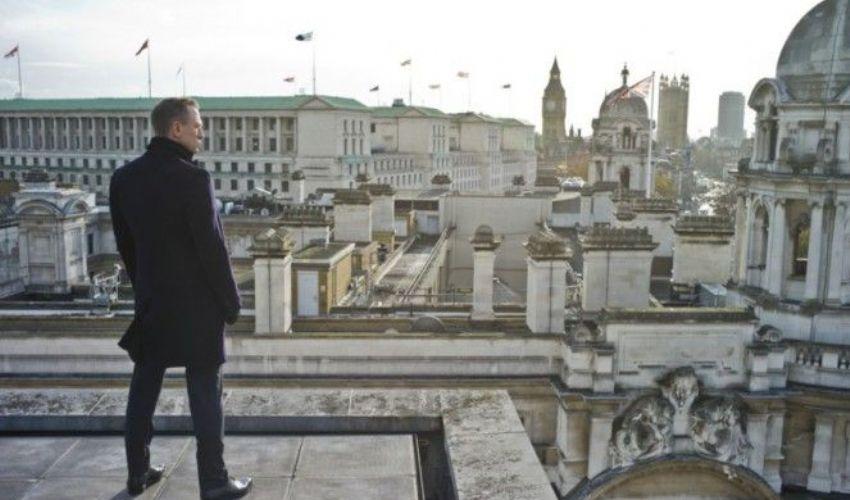 """I servizi segreti britannici cercano un """"capo 007"""": ecco l'identikit"""