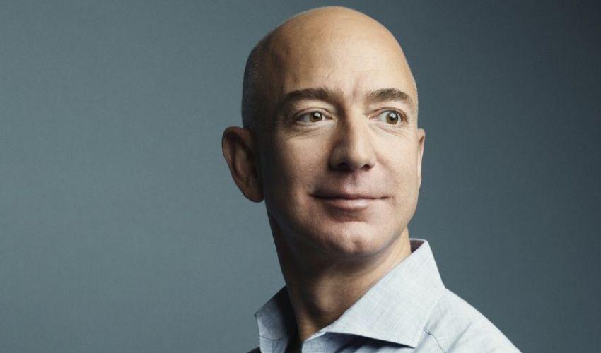 Classifica degli uomini più ricchi al mondo 2021: vince ancora Bezos