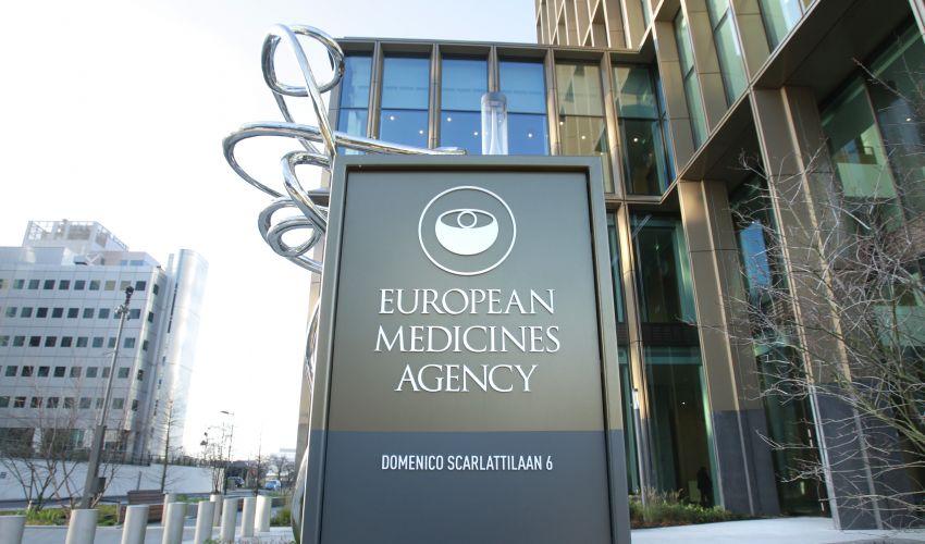 Agenzia europea del farmaco: via libera EMA al vaccino Pfizer-BioNTech