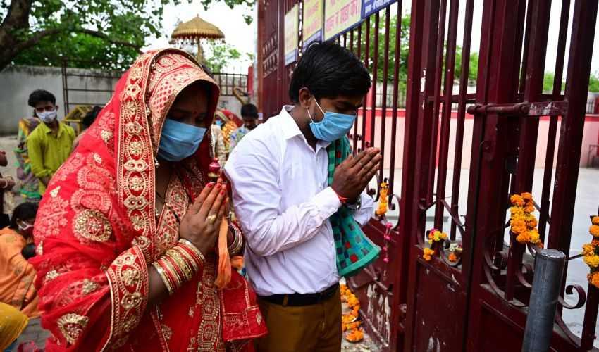 India, verso i 20 milioni di contagi. A rischio fornitura vaccini