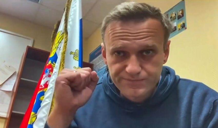 Navalny dal carcere incita a manifestazioni di piazza. Cosa rischia