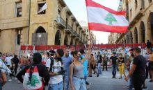 Libano: dimissioni Governo, ancora proteste. Aiuti a Beirut devastata