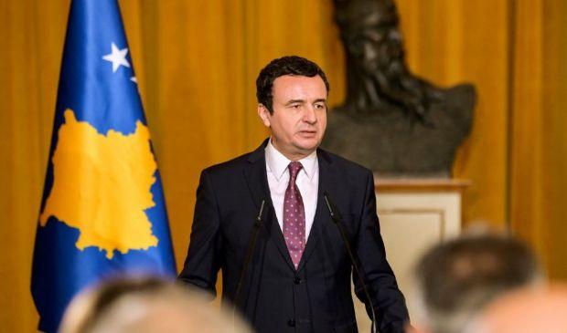 """Elezioni Kosovo, vince Albin Kurti: chi è il """"Che del Kosovo"""""""