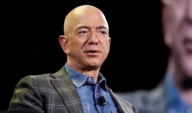 Amazon, anno d'oro a imposte zero e agenda Ue contro elusione fiscale