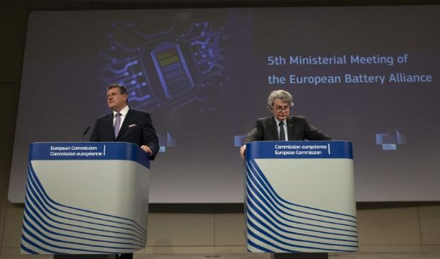 Ue, Battery Alliance: quali target 2025? Rispondono Breton e Sefcovic
