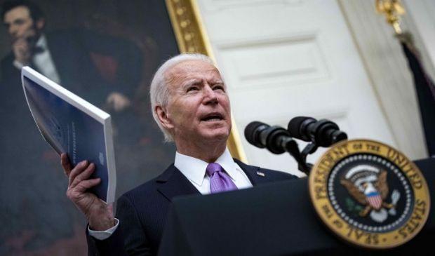 """Usa, Joe Biden: ricorso ai """"poteri di guerra"""" contro l'emergenza Covid"""