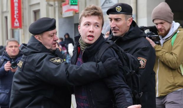 Volo dirottato in Bielorussia, pronte le sanzioni Ue: cosa è successo