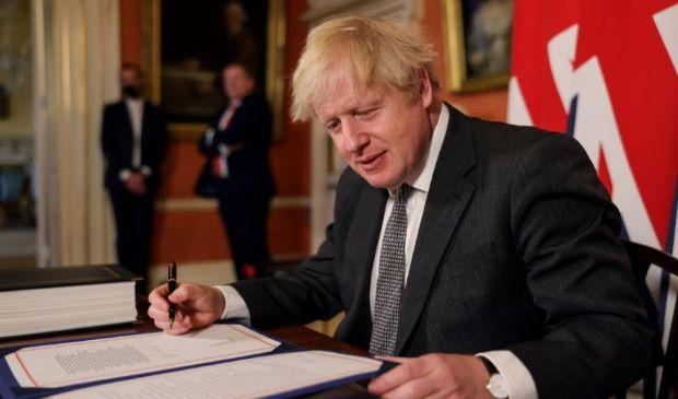 Brexit 2021: firma ufficiale, l'accordo è legge. Cosa cambia da oggi