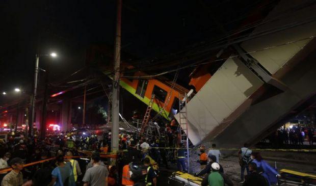Città del Messico, video del crollo del ponte al passaggio della metro