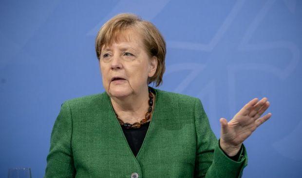 "Germania in lockdown, Angela Merkel: ""Abbiamo una nuova pandemia"""