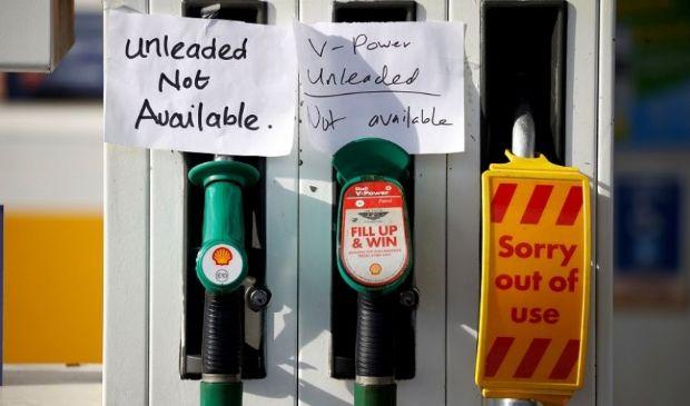 Regno Unito: code ai distributori di carburante, nuovi effetti Brexit