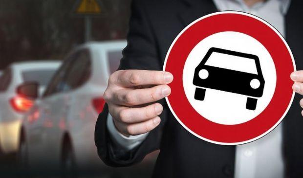 Italiani ed europei al volante: 7 su 10 non rispettano il codice