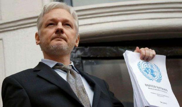 Julian Assange: chi è, età, che cos'è Wikileaks, arresto e biografia