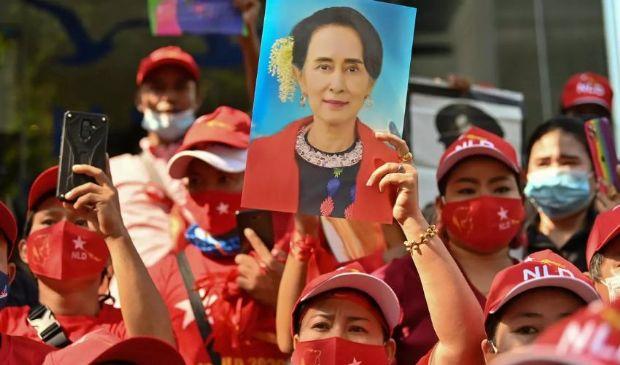 Myanmar, arrivano le sanzioni Usa: uccisa anche un'attivista simbolo