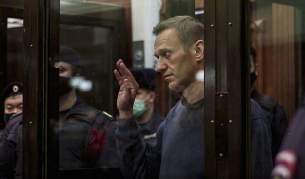 Navalny, condanna a 3 anni e mezzo: perché, cosa accade adesso