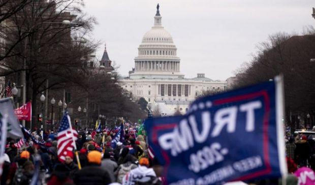 QAnon annuncia il ritorno di Trump: rischio scontri a Capitol Hill