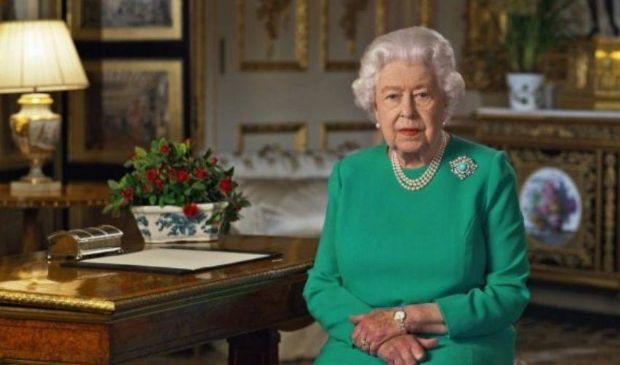 Regina Elisabetta II: età, altezza, figli e nipoti, cognome, biografia