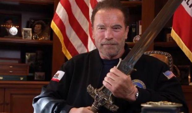 Assalto USA: video-messaggio di Schwarzenegger conquista Twitter