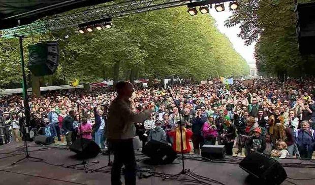 Marcia per il clima a Bruxelles: 50.000 attivisti in 3 km di corteo