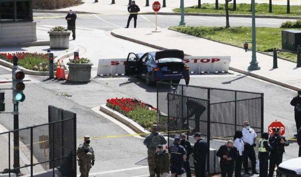"""Usa, auto contro il Campidoglio. Due vittime. Biden: """"Devastato"""""""