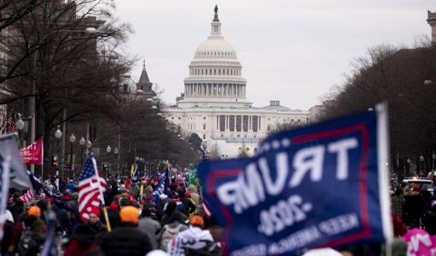 Washington, fan di Trump assaltano Capitol Hill, ultime notizie