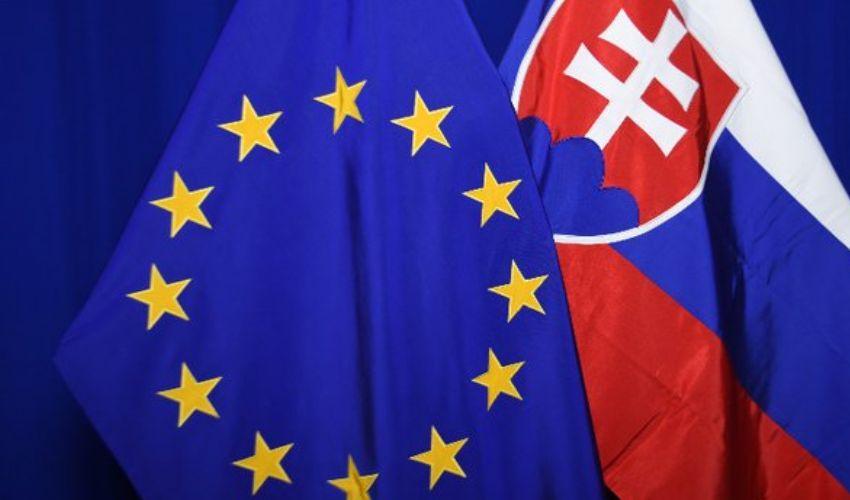 Recovery Fund: ricevuti piani di Francia e Slovacchia, domani l'ora X