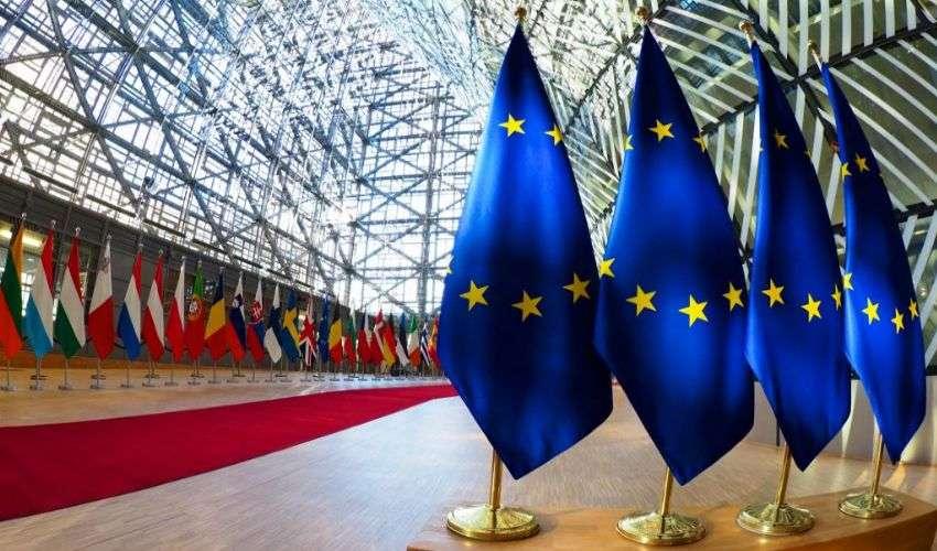 V-Day Europa: oggi 27 dicembre al via la somministrazione dei vaccini