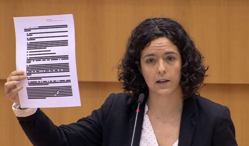 Big pharma: online video delle domande di Manon Aubry a Von der Leyen